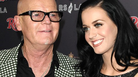 gty katy perry dad dm 120111 wblog Katy Perrys Dad Apologizes for Anti Semitic Comments