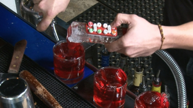 how to get into bartending