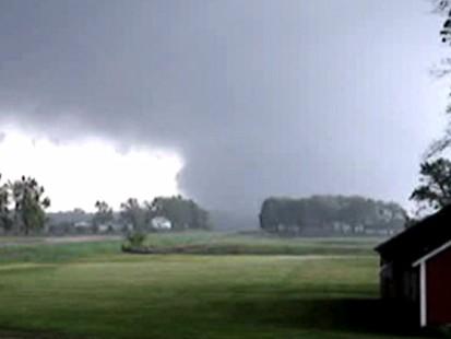 VIDEO: Tornado Strikes Small Town Iowa