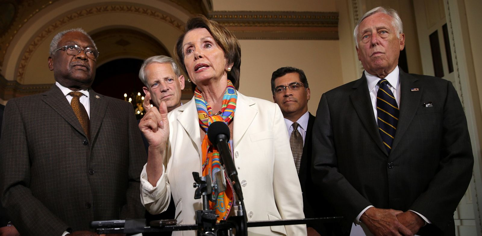 PHOTO: House Minority Leader Rep. Nancy Pelosi (D-Calif.) (3rd L) speaks as party leaders listen during a news conference after a House Democratic leadership meeting September 30, 2013 on Capitol Hill in Washington, D.C.