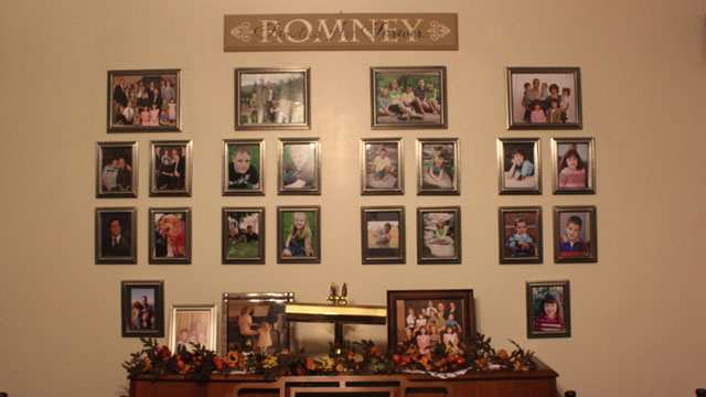 PHOTO: Mitt Romneys Mexican cousins decorate the walls of their homes with portraits of family members. The candidates relatives say that Romneys roots in Mexico have made this a special election for them.
