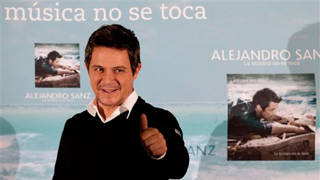 PHOTO:Spains Alejandro Sanz promoting his new album in Mexico City on Monday, Sept. 17, 2012.