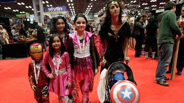 PHOTO: A Latino family at NY Comic Con.