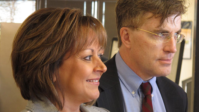 PHOTO:New Mexico Gov. Susana Martinez is shown with MVD director Mark Williams at an Albuquerque MVD office, Wednesday Jan. 23, 2013, as she unveils a new online system for drivers license renewal.