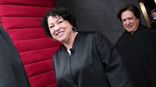 PHOTO:Supreme Court Justice Sonia Sotomayor and Elana Kagan arrives on the West Front of the Capitol in Washington.