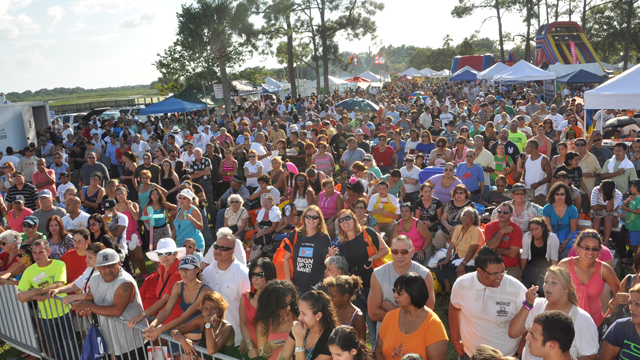PHOTO:At this years Viva Osceola, a cultural festival in one of Floridas swing counties, the Romney campaign pushed to speak to the mostly-Latino crowd, said organizer Guillermo Hansen.