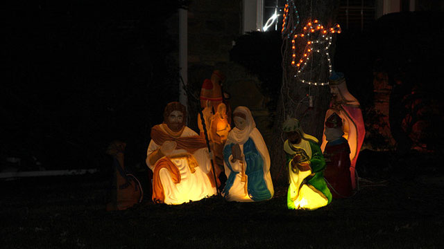 PHOTO:It's best to keep your stolen nativity figures off of Facebook.
