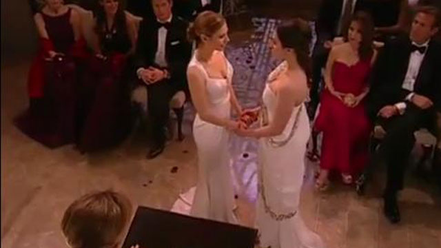 PHOTO: First lesbian wedding on an American soap opera