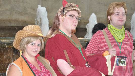 PHOTO: Male and female bronies show off their costumes at Otakon.