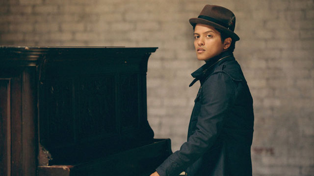 PHOTO: How many ways do we love Bruno Mars? Let us count the ways.