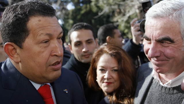 PHOTO: Venezuela's President Hugo Chavez accompanied by Argentine Ambassador in Venezuela Alicia Castroin Buenos Aires, 7 August 2007.