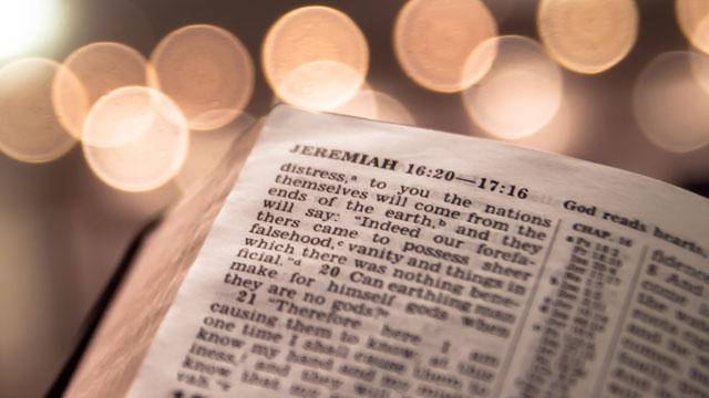 PHOTO:Bible