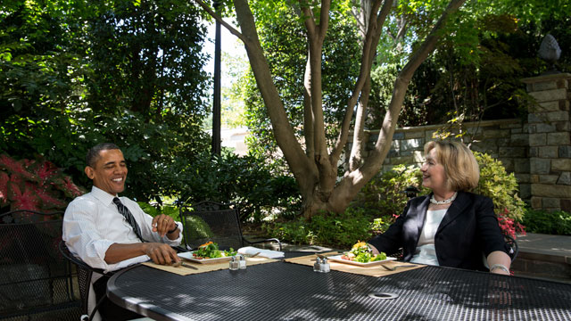 PHOTO:President Barack Obama has lunch at the White House with former Secretary of State Hillary Clinton on July 29, 2013.