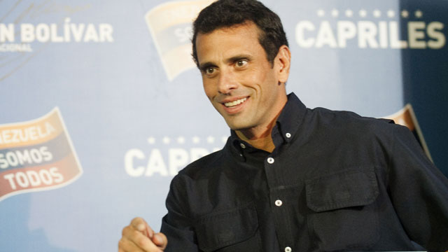 PHOTO: Venezuelan presidential election runner-up Henrique Capriles arrives for a press conference in Caracas, on April 18, 2013.
