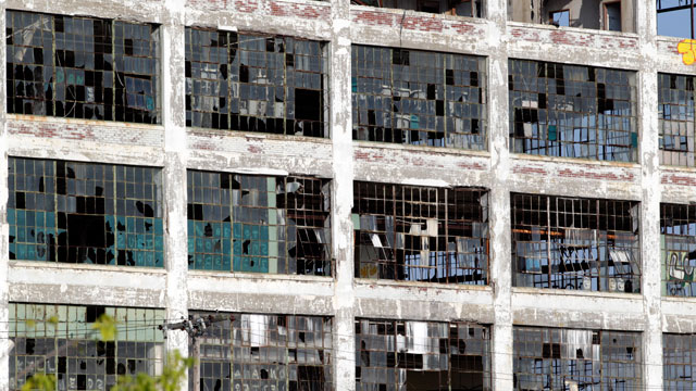 PHOTO: The abandoned Fisher Body Plant 21 building stands in Detroit, Michigan, U.S., on Friday, July 19, 2013.