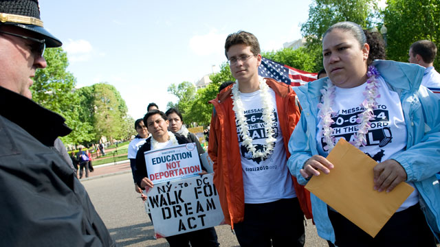 PHOTO:Gaby Pacheco walked 1,500 miles from Florida to Washington, DC to advocate for the Dream Act.