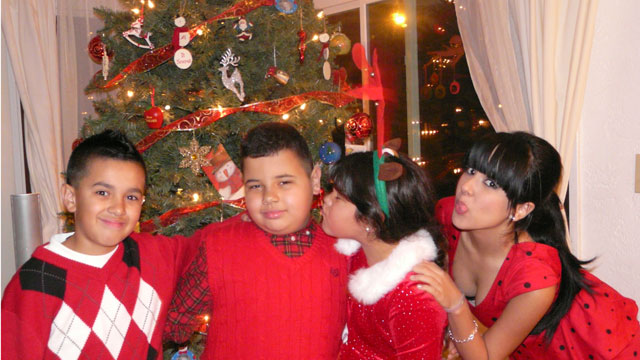 PHOTO:Becky G at home for the holidays