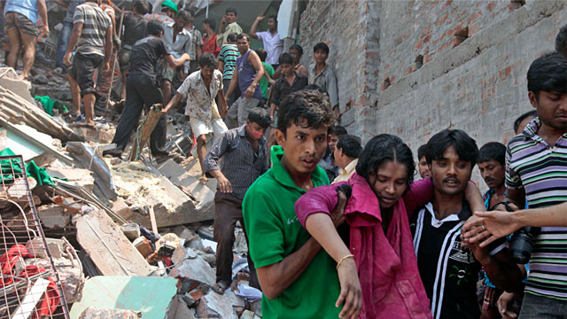 PHOTO: Bangladesh building collapse