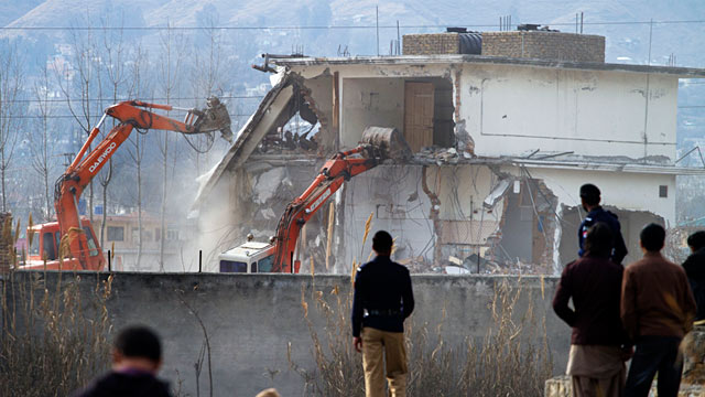 PHOTO: Bin Laden compound demolition