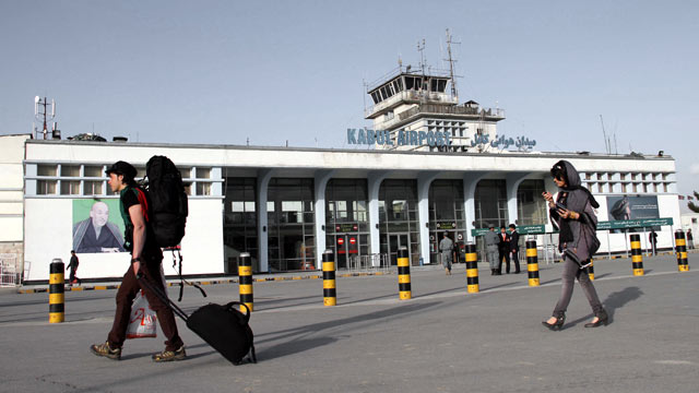*****Aéroport International de Kaboul Flight Information**** Cb_kabul_airport_security_lpl_121212_wmain