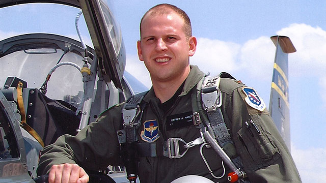 PHOTO: Air Force Blames Oxygen-Deprived Pilot in F-22 Crash