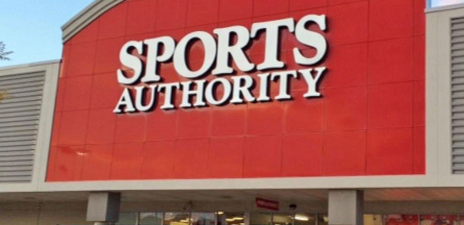 VIDEO: Sports Authority Goes Out of Business