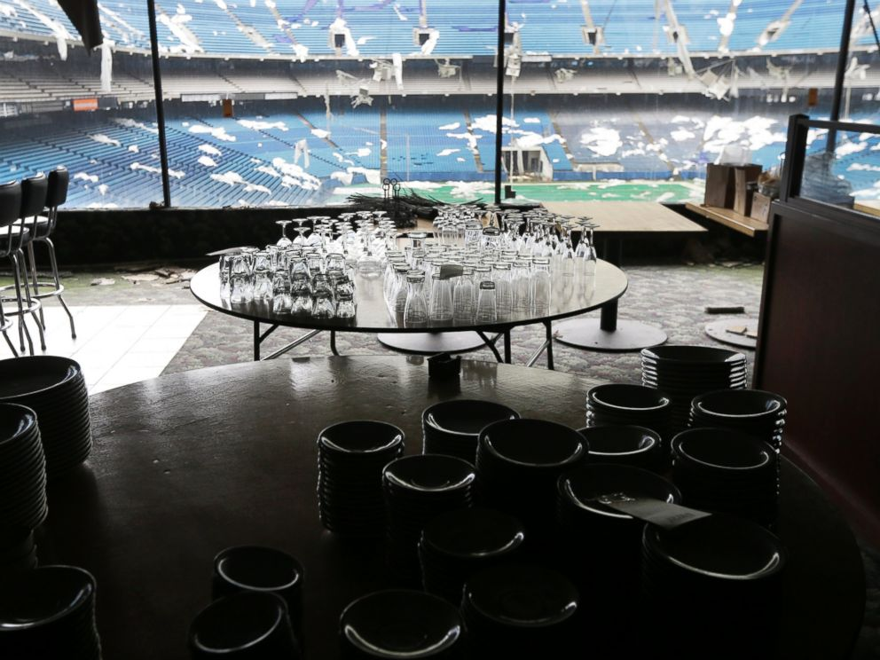 PHOTO: Glassware is setup for auction inside the Pontiac Silverdome in Pontiac, Mich. in this May 12, 2014 photo.