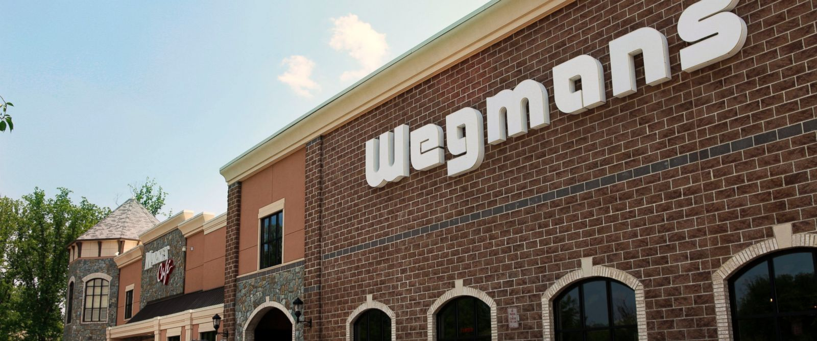 PHOTO: A Wegmans grocery store in Fairfax, Va. is seen, May 27, 2010.