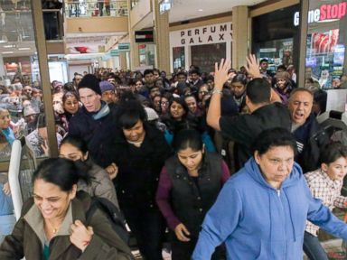 PHOTO: People enter to JCPenny store in the Newport Mall on Black Friday on Nov. 27, 2014 in Jersey City, N.J.
