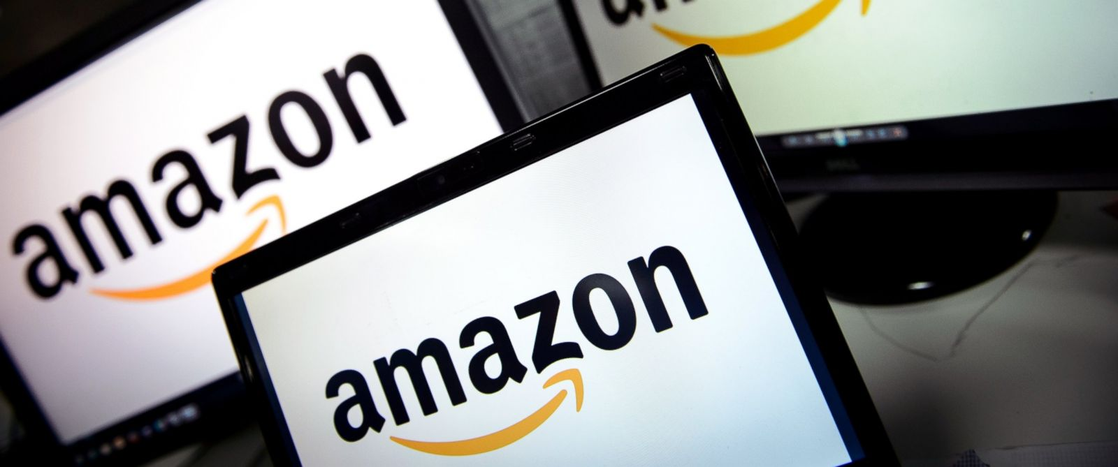 PHOTO: A picture shows the logo of the online retailer Amazon dispalyed on computer screens in London, Dec. 11, 2014.