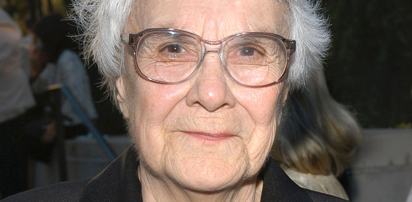 PHOTO: Harper Lee is honored at the Library Foundation of Los Angeles 2005 Awards Dinner, May 2005, in Los Angeles.