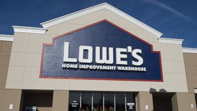 PHOTO: A Lowes hardware store is seen in New Carrollton, Maryland, Dec. 31, 2014.