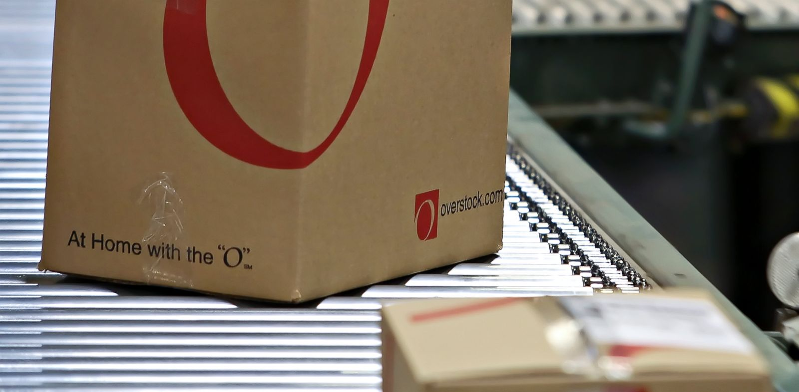 PHOTO: Boxes move down a conveyor belt before being shipped from an Overstock.com warehouse in Salt Lake City, Utah, April 29, 2010.