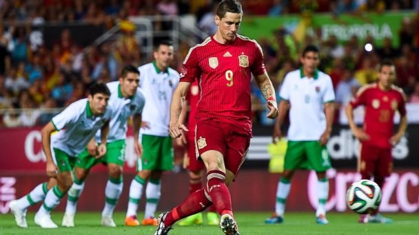 PHOTO: Fernando Torres of Spain scores the opening goal in an international friendly match