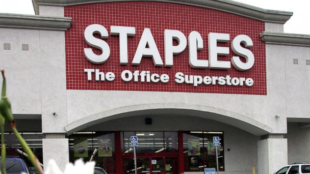 PHOTO: In this file photo, a Staples office supply store is pictured on Aug. 15, 2006 in Novato, Calif.