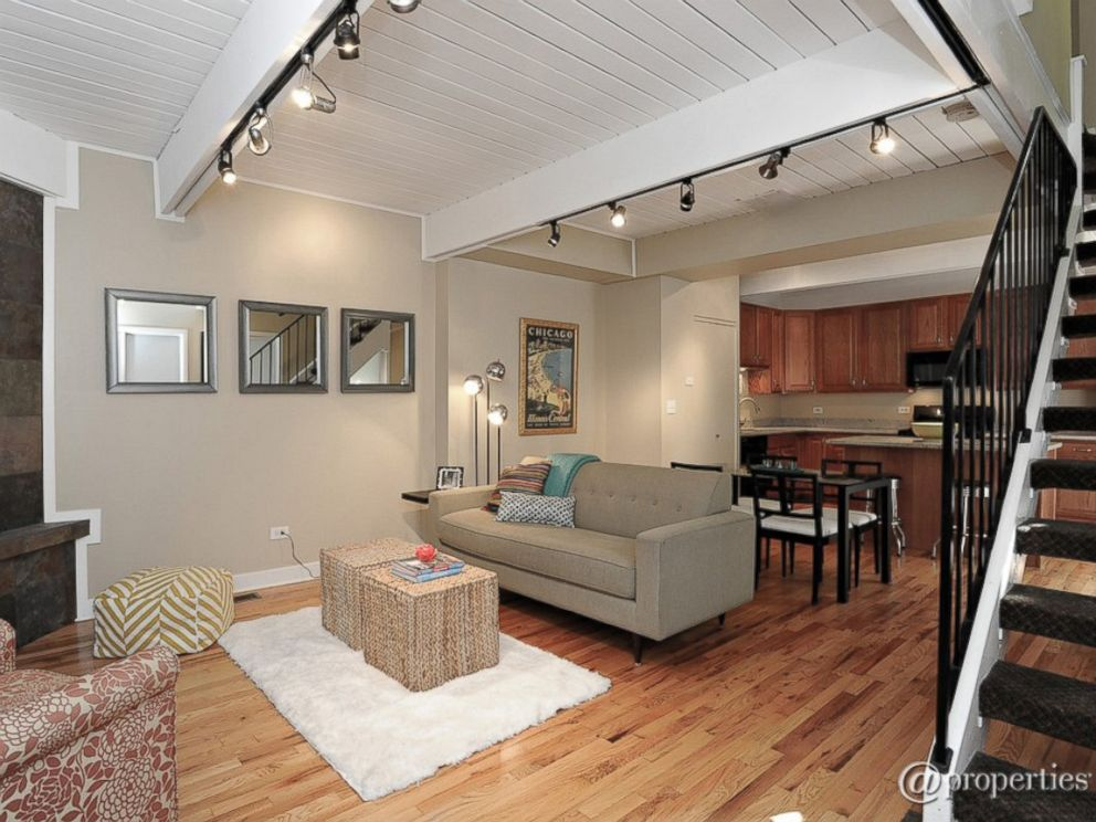 PHOTO: Three bedrooms for $499,000 on N. Mohawk Street in Chicago, Illinois.