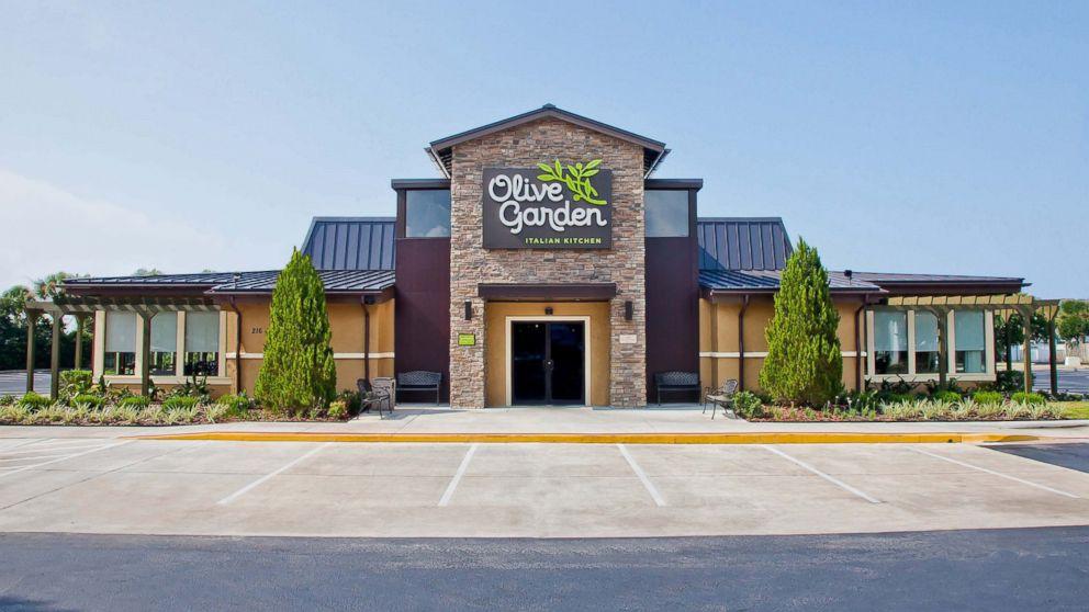Olive garden 39 s 100 pasta pass v never ending pasta bowl abc news for Olive garden houston locations