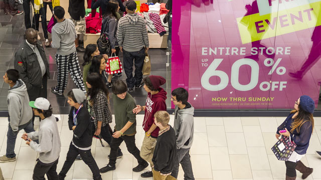 "PHOTO: Young consumers shop early on the early morning hours at the GAP store offering a ""Entire Store Up to 60% Discount"" ad Friday, Nov. 23, 2012 at the Glendale Galleria mall in Glendale, Calif."