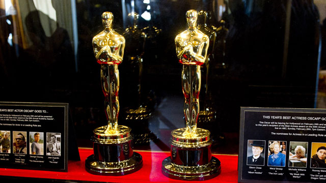 PHOTO: The Oscar statuettes that will be presented to the Best Actor and Best Actress winners at the 84th Academy Awards are displayed in New York, Feb. 22, 2012.