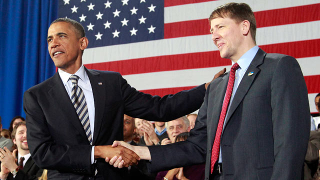 PHOTO: President Barack Obama shakes hands with Richard Cordray before speaking about the economy on Jan. 4, 2012 at Shaker Heights High School in Shaker Heights, Ohio.