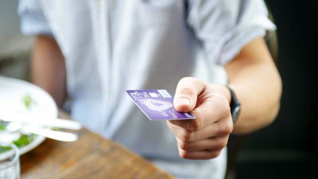 PHOTO: Starting Sunday, merchants who want to impose a surcharge on customers paying by credit card will be free to do so.