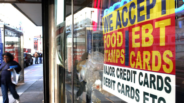 PHOTO: A sign in a market window advertises the acceptance of food stamps,New York City, Oct. 7, 2010.