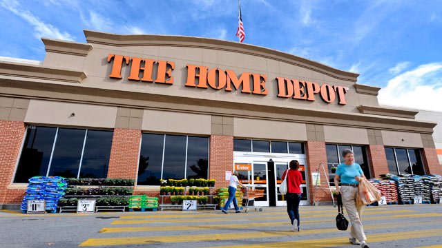 PHOTO: Customers enter and exit a Home Depot Inc. store in Atlanta, Georgia, U.S., Oct. 28, 2010.