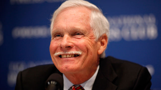 PHOTO: Turner Enterprises CEO Ted Turner address the Newsmaker Luncheon on renewable and alternative energy at the National Press Club April 19, 2011 in Washington, DC.