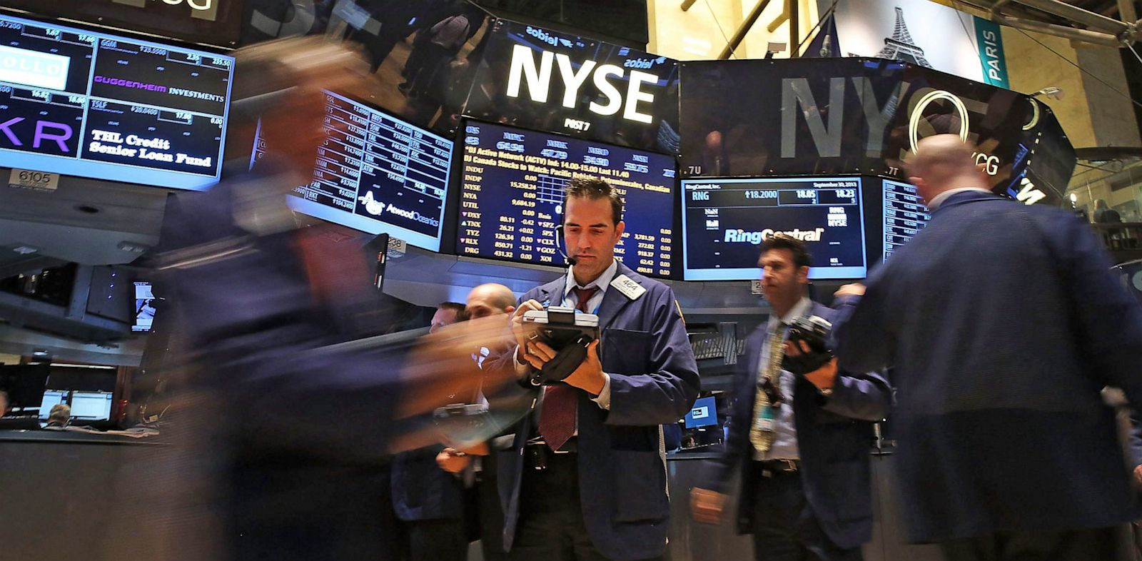 PHOTO: Traders work on the floor of the New York Stock Exchange
