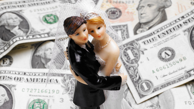 "PHOTO: Before saying ""I do,"" here are some financial topics the two of you should discuss."