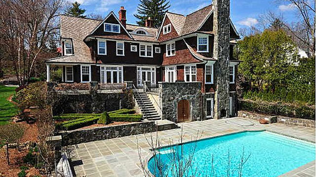 Greenwich luxury homes at a discount abc news for Luxury homes for sale in greenwich ct