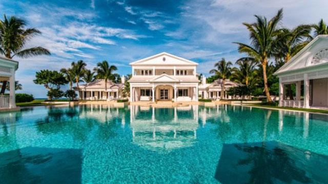PHOTO:Singer Celine Dion has listed her five-bedroom waterfront estate in Jupiter Island, Fl. for $72.5 million.