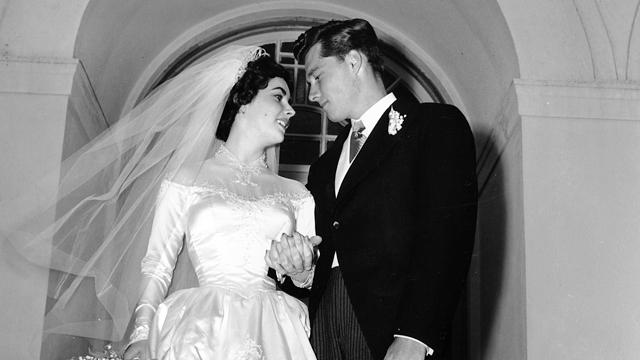 elizabeth taylor u0026 39 s first wedding gown and other items