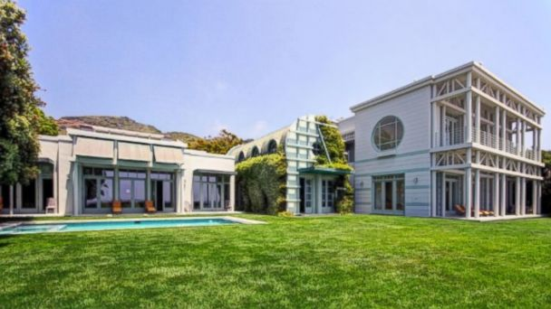 PHOTO: Larry Ellison, the founder of Oracle, owns this home in Malibu.